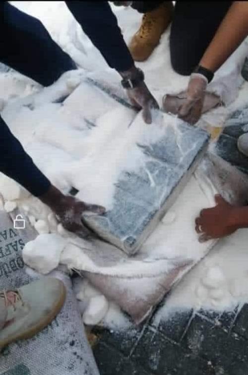 بحضور المحافظ لملس..  بدء عملية اتلاف المخدرات المضبوطة في ميناء العاصمة عدن