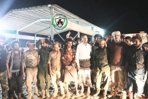 بإشراف قوات العمالقة..  صفقة تبادل أسرى بين القوات الجنوبية ومليشيا الإخوان بأبين