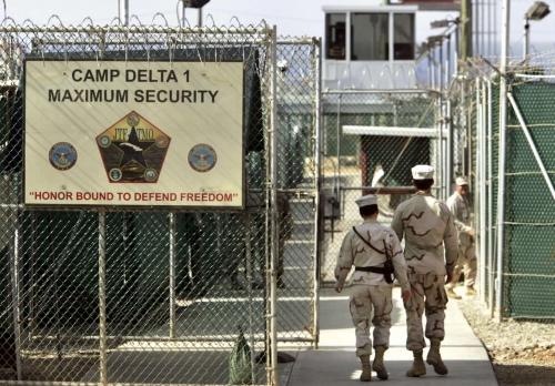 اشتباههم بتنظيم القاعدة بعد هجمات 11 سبتمبر/ايلول 2001..  الولايات المتحدة تطلق سراح يمنيين محتجزين في السجن العسكري غوانتانامو